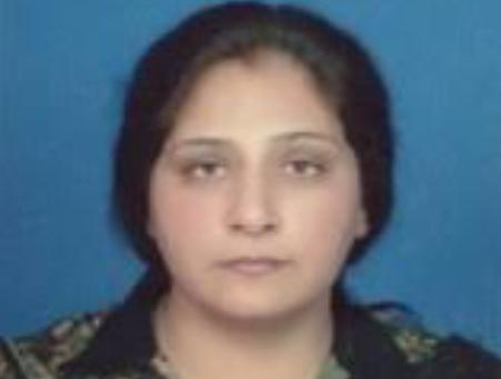 Dr. Fouzia  Khursheed